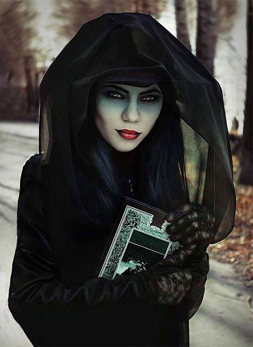 Witch-Halloween-Make-Up-Looks-For-Girls-Women-2019-15