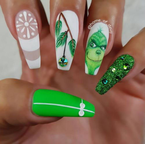 30-Christmas-Nail-Art-Designs-Ideas-2019-Xmas-Nails-16