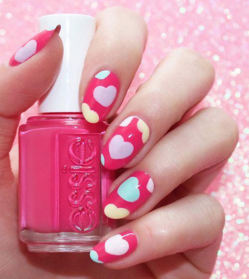 20-Valentine's-Day-Nail-Art-Designs-2020-17