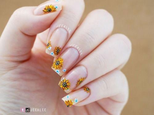 Best-Summer-Nails-Art-Designs-2020-19