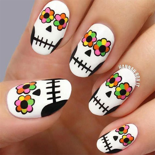 30-Scary-Halloween-Nail-Art-Designs-Ideas-2020-7