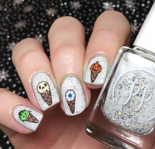 30-Scary-Halloween-Nail-Art-Designs-Ideas-2020-9
