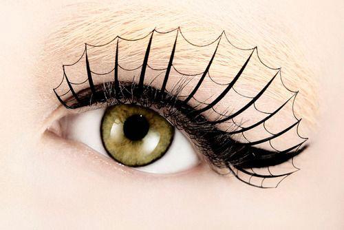 Creepy-Halloween-Eye-Makeup-Ideas-Looks-2020-11