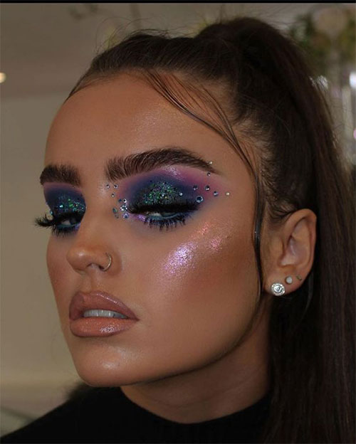 Glitter-Glam-Halloween-Makeup-Ideas-2020-8