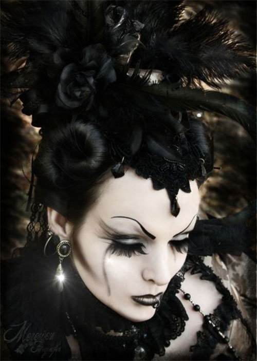 Witch-Halloween-Make-Up-Looks-2020-15