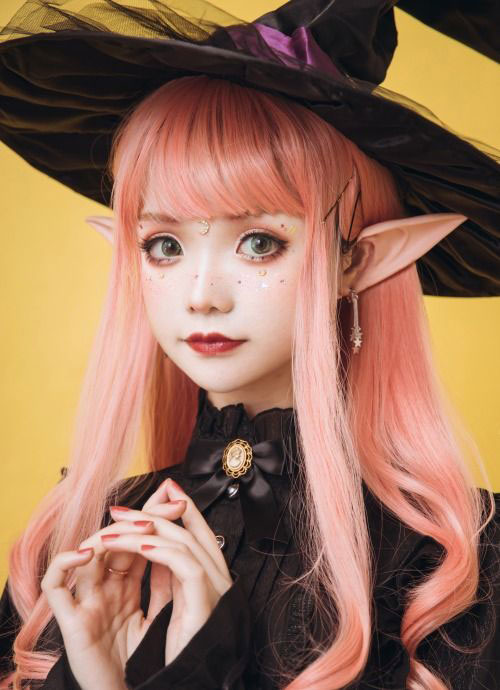 Witch-Halloween-Make-Up-Looks-2020-3