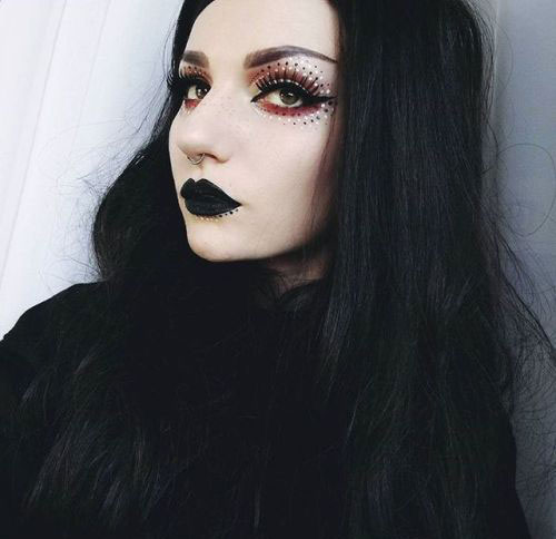 Witch-Halloween-Make-Up-Looks-2020-9