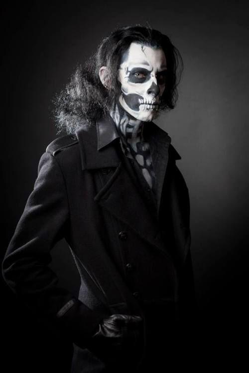 Scary-Halloween-Makeup-Looks-Ideas-2020-7