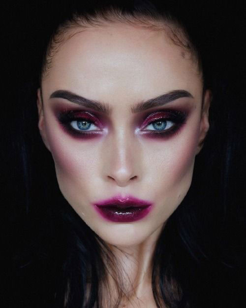 Scary-Vampire-Makeup-Looks-Ideas-2020-6