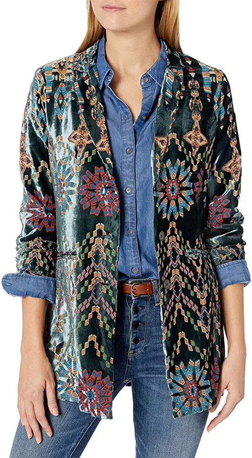 10-Winter-Jackets-Trends-For-Women-2021-Winter-Fashion-3