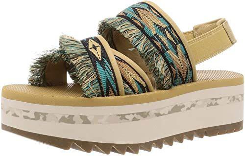 Latest-Summer-Footwear-Trends-For-Girls-Women-2021-8