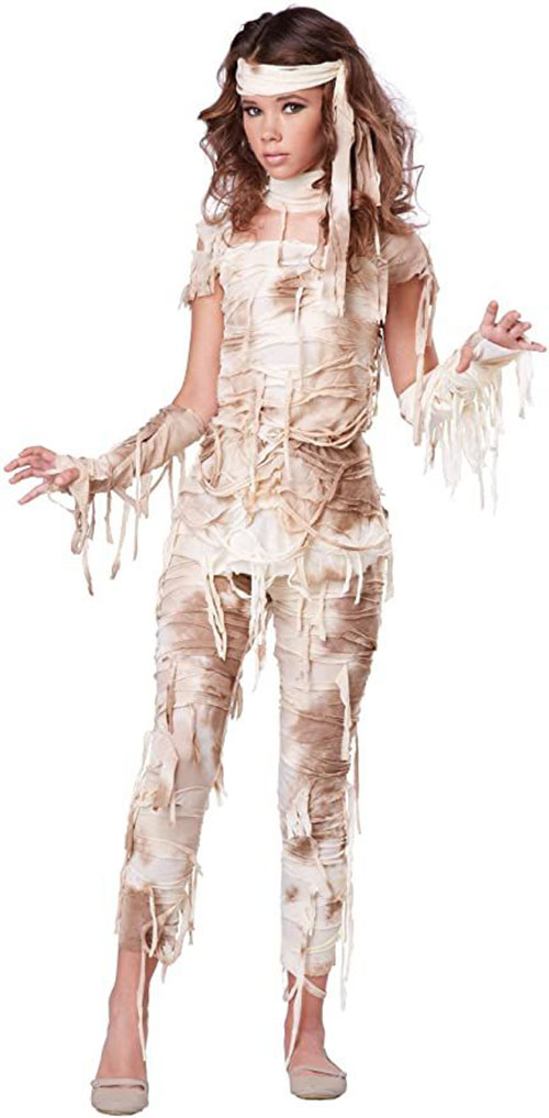 Scary-Halloween-Costumes-For-Women-2021-1