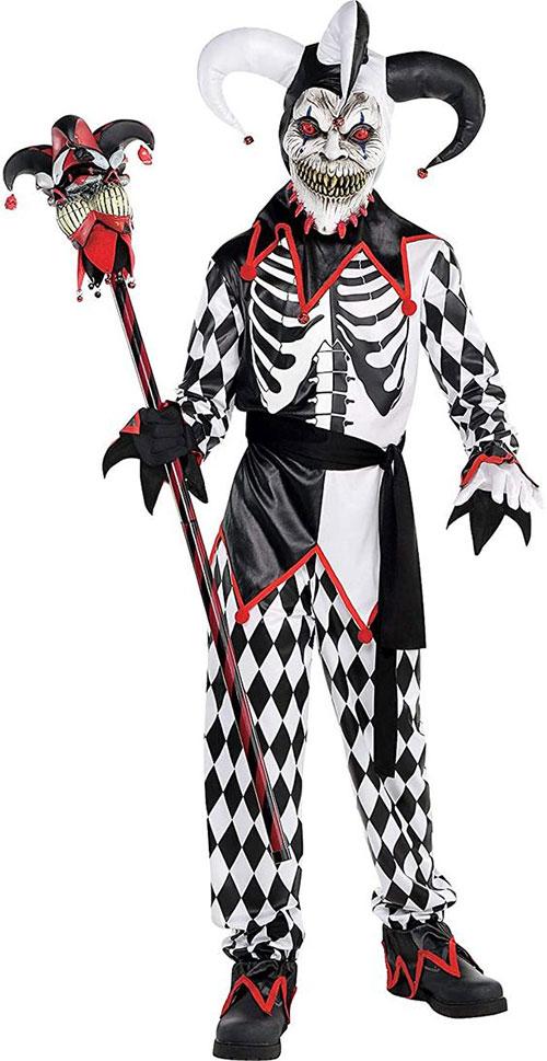 Scary-Horror-Halloween-Costumes-Ideas-2021-9