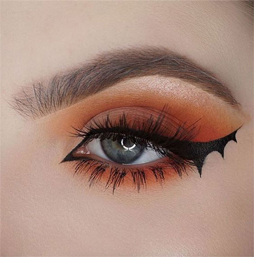 Spooky-Creepy-Halloween-Eye-Make-Up-Trends-2021-1