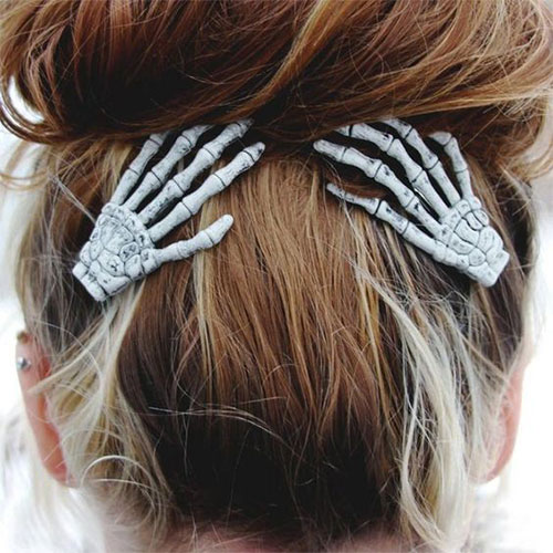 Crazy-Scary-Halloween-Hairstyle-Ideas-2021-14